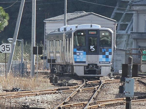 徳島線の自己充電型バッテリー電...